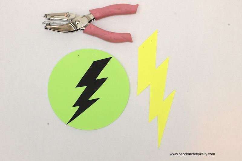 Glow in the dark lightning bolt garland www.handmadebykelly.com