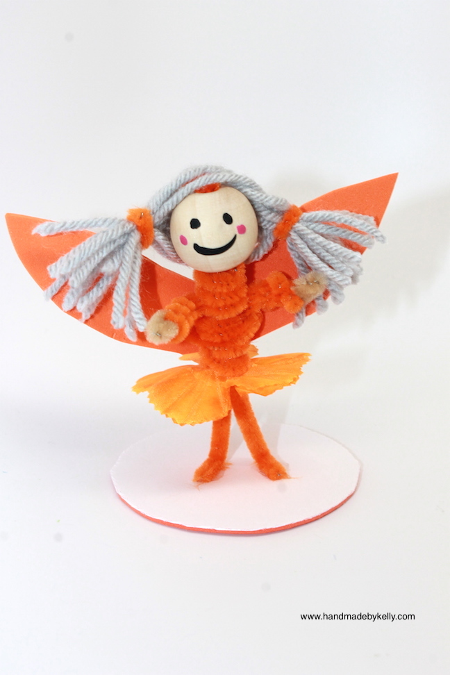 Pipe cleaner fairy craft; handmadebykelly.com
