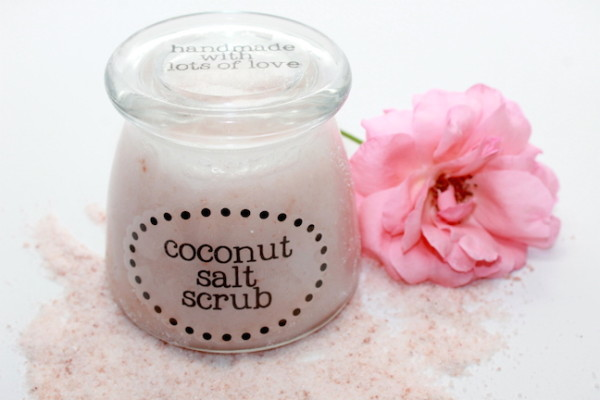 How to make 3 homemade DIY body scrub gifts for Mother's Day; handmadebykelly.com; onlinelabels.com