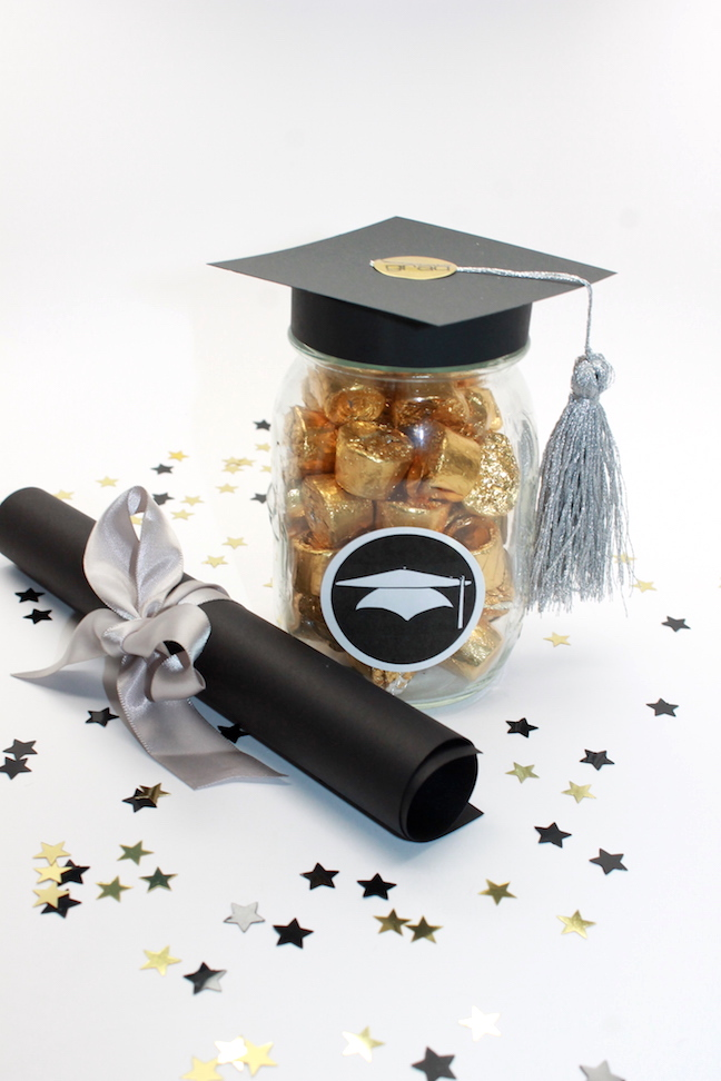 DIY Graduation Mason Jar Party Favors And Grad Gift Craft Free Printable