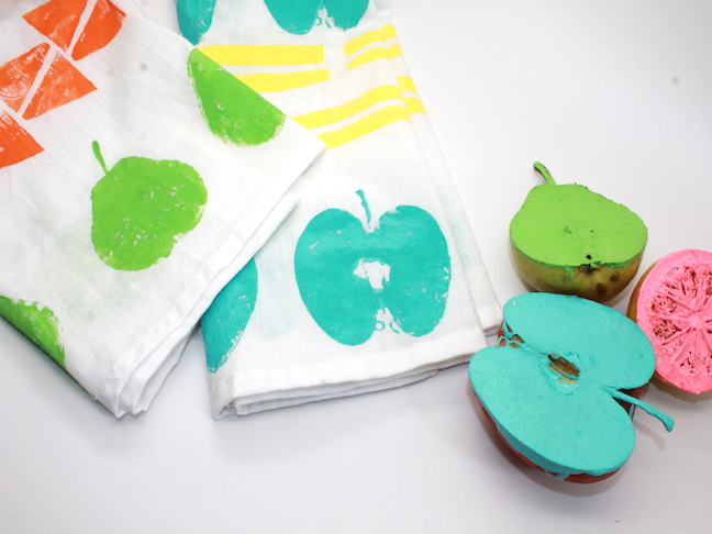 DIY Fruit Stamped Dish Towels- handmadebykelly.com; momtastic.com