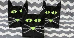 Halloween Cat Treat Bags; momtastic.com; handmadebykelly.com