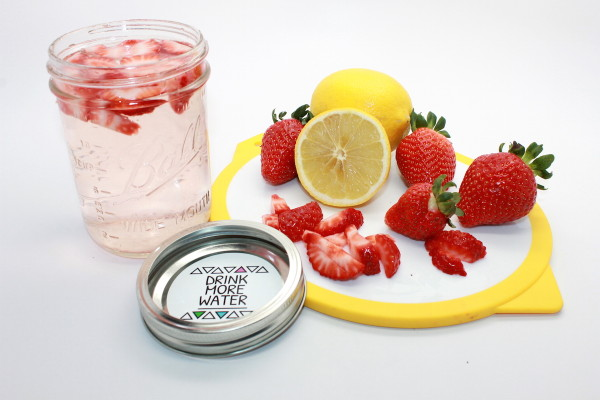 Fruit-Infused Water Recipes + Printable Labels; handmadebykelly.com; onlinelabels.com