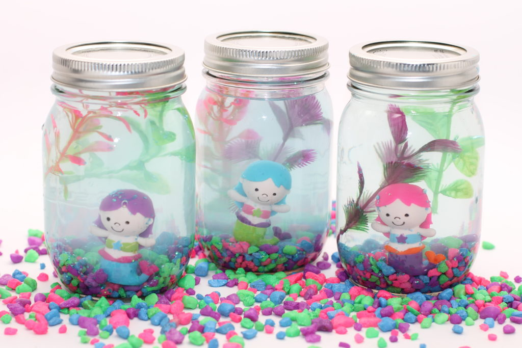 DIY Mason Jar Aquarium; momtastic.com; handmadebykelly.com
