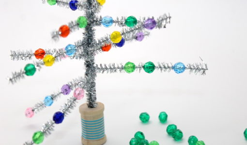 diy-retro-christmas-tree-kid-craft-how-to-handmadebykelly.com, momtastic.com