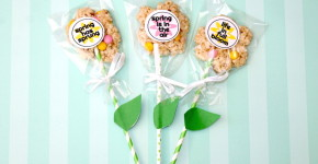 Rice Krispy Treat Spring Flowers + Free Printable; onlinelabels.com; handmadebykelly.com